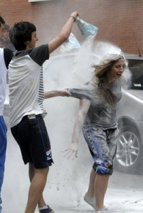 flour-egg-fight-italy-35.jpg
