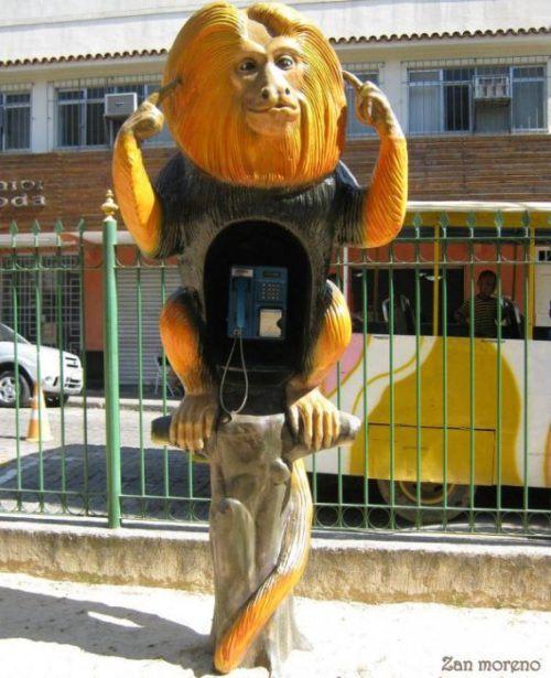 funny-phone-booths-bizarre-0.jpg