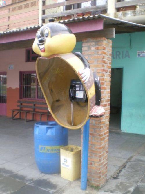 funny-phone-booths-bizarre-6.jpg