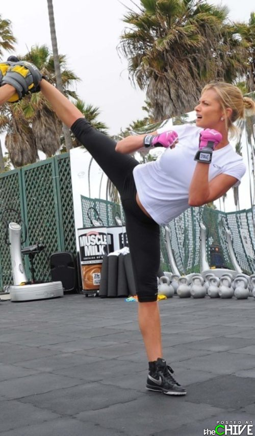 hot-girls-in-yoga-pants-30.jpg