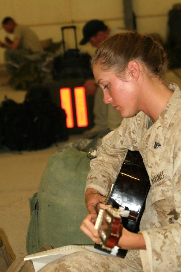 hot-girls-military-pt3-920-13.jpg