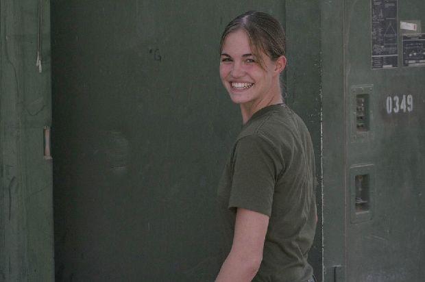 hot-girls-military-pt3-920-20.jpg