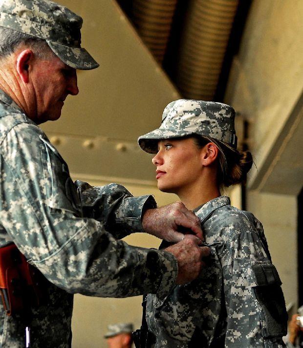 hot-girls-military-pt3-920-31.jpg