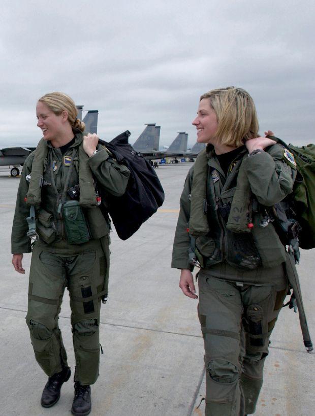 hot-girls-military-pt3-920-33.jpg
