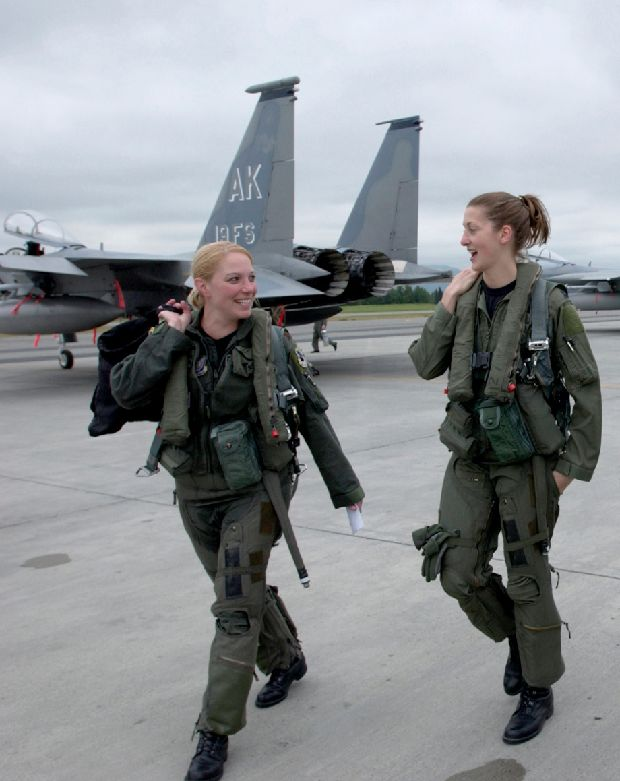hot-girls-military-pt3-920-34.jpg