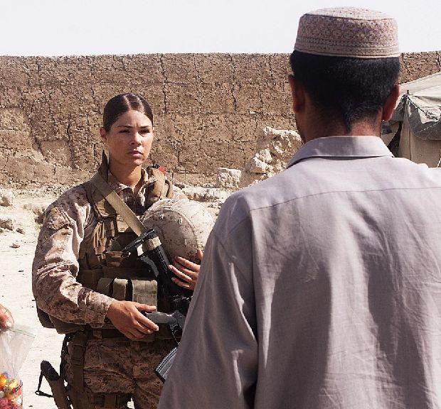 hot-girls-military-pt3-920-47.jpg