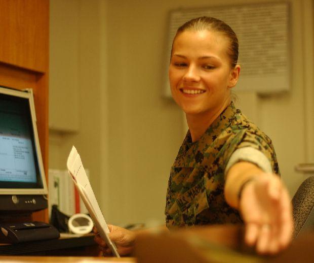 hot-girls-military-pt3-920-75.jpg
