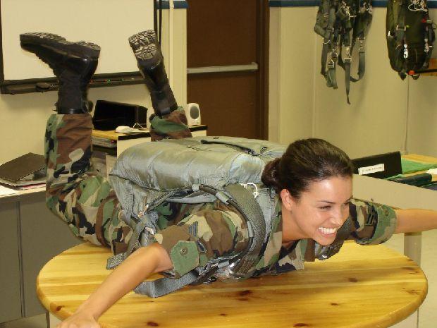 hot-girls-military-pt3-920-76.jpg