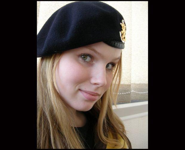 hot-girls-military-pt3-920-78.jpg