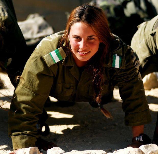 hot-girls-military-pt3-920-8.jpg