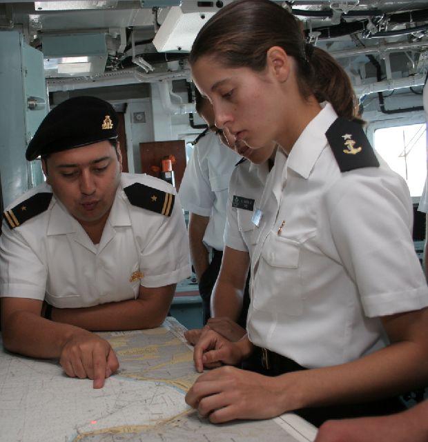hot-girls-military-pt3-920-83.jpg