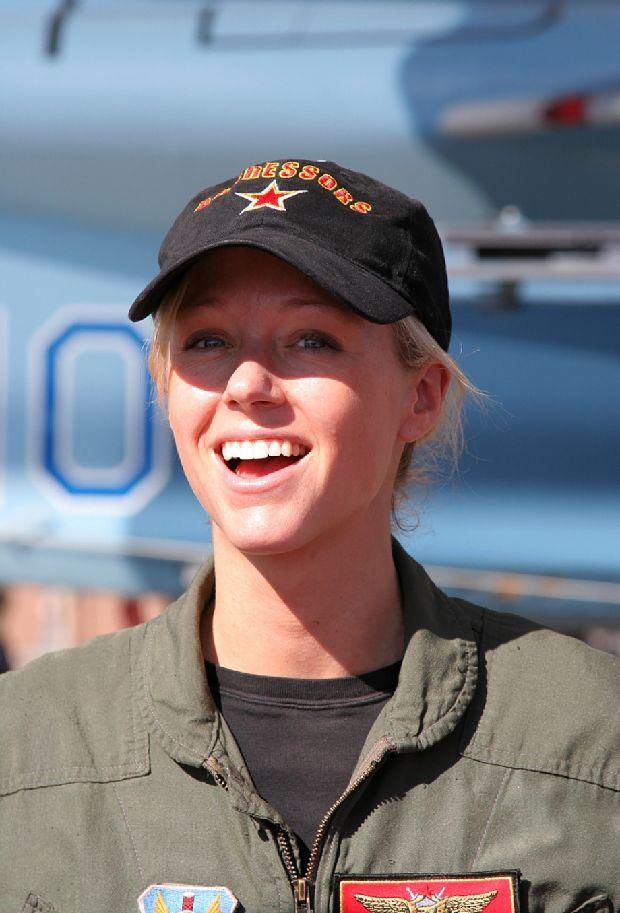 hot-girls-military-pt3-920-87.jpg