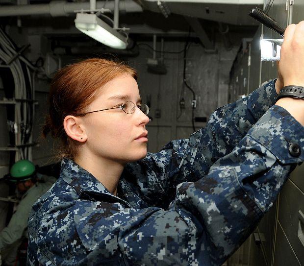 lead-hot-girls-military-pt3-920-1.jpg