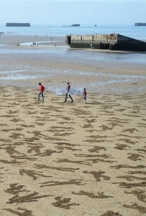 normandy-body-sand-stencils-beach-13.jpg