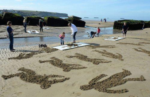 normandy-body-sand-stencils-beach-15.jpg