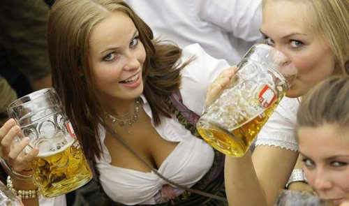 oktoberfest-girls-cleavage-boobs-0.jpg