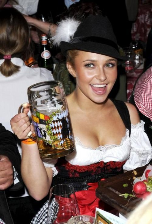 oktoberfest-girls-cleavage-boobs-18.jpg