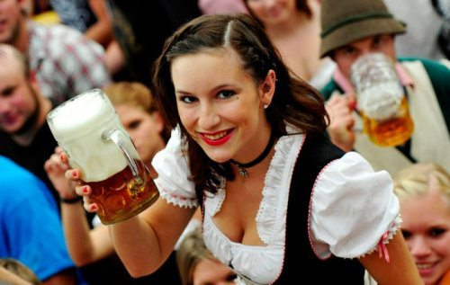 oktoberfest-girls-cleavage-boobs-19.jpg