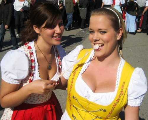 oktoberfest-girls-cleavage-boobs-6.jpg
