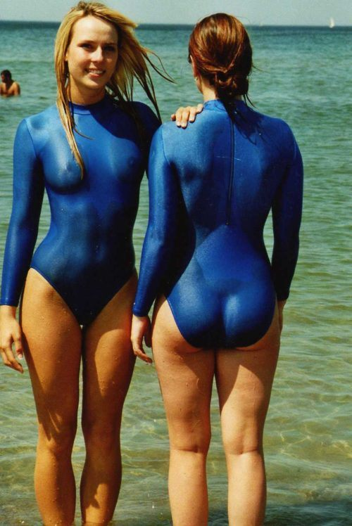 sexy-girls-in-one-piece-bathing-suits9.jpg