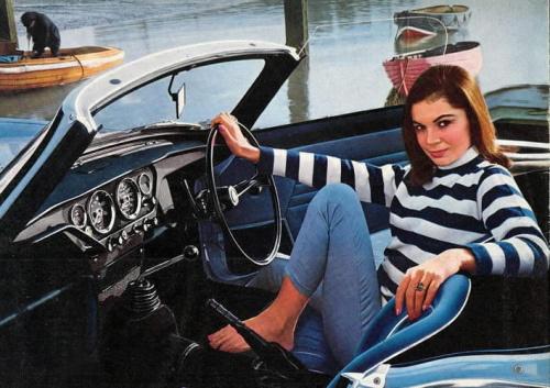 vintage-car-girls-500-0.jpg