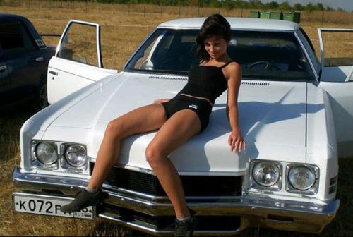 vintage-car-girls-500-10.jpg
