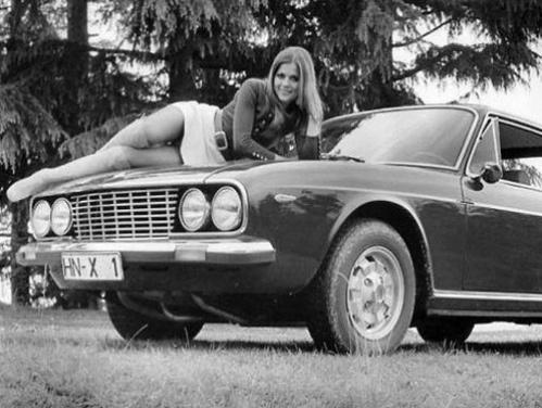 vintage-car-girls-500-100.jpg