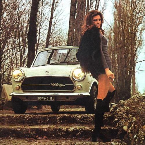 vintage-car-girls-500-101.jpg