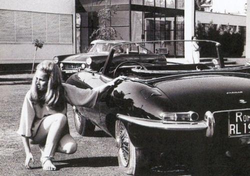 vintage-car-girls-500-106.jpg