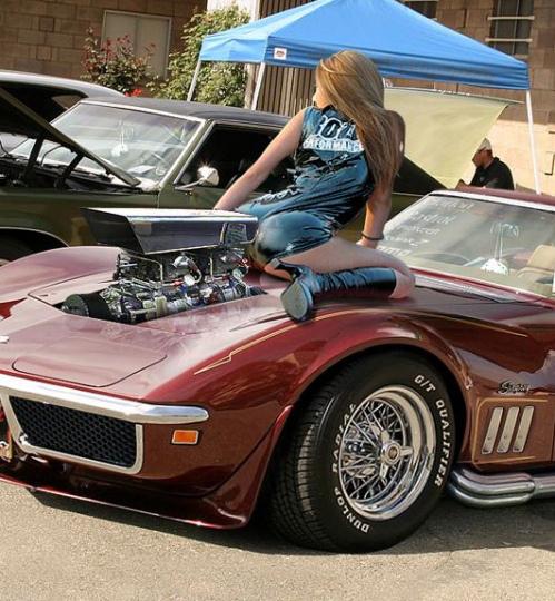 vintage-car-girls-500-113.jpg