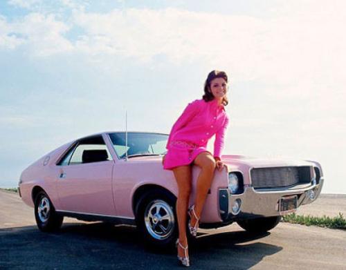 vintage-car-girls-500-27.jpg