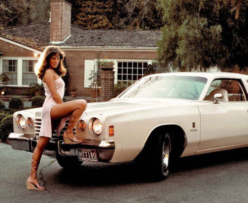 vintage-car-girls-500-32.jpg
