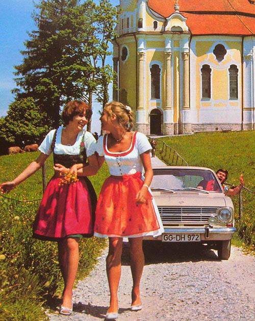 vintage-car-girls-500-84.jpg