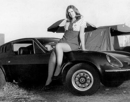 vintage-car-girls-500-86.jpg