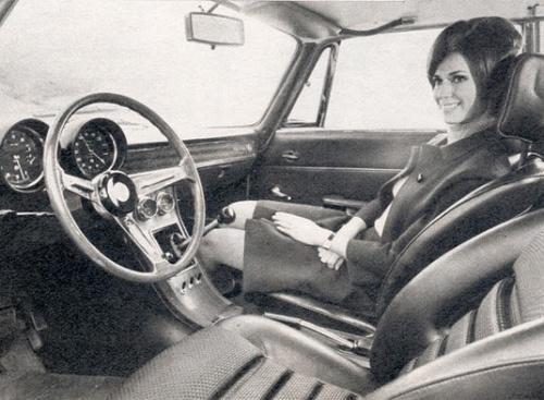 vintage-car-girls-500-92.jpg
