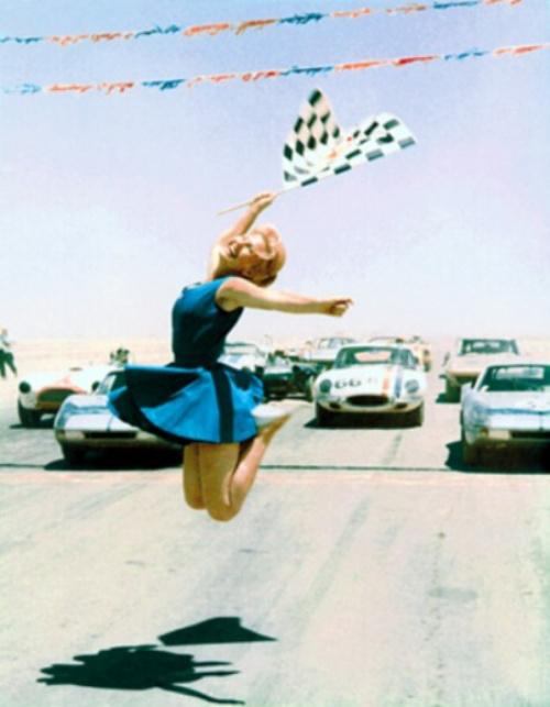 vintage-car-girls-500-93.jpg