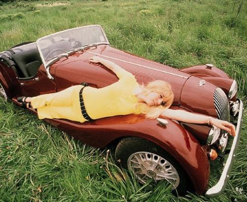 vintage-car-girls-500-98.jpg