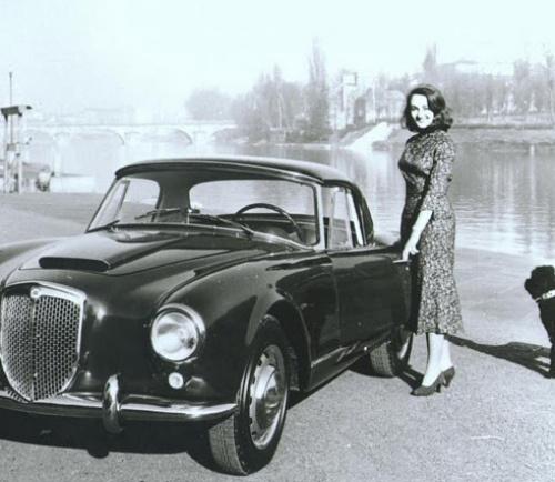 vintage-car-girls-500-99.jpg