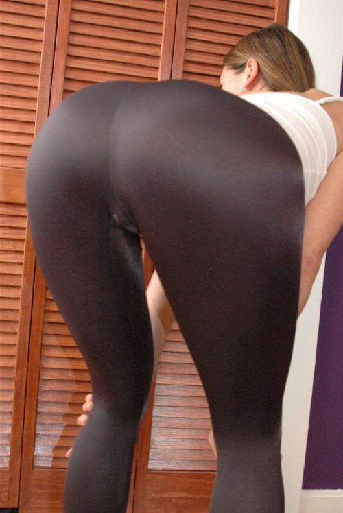 yoga-pants-in-fall-45.jpg
