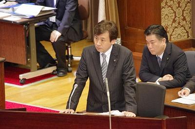 20131008予算委員会01