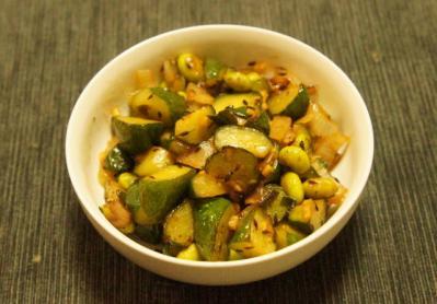 胡瓜と枝豆のグリーンサブジ