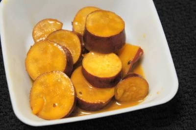 サツマイモのオレンジ煮込み
