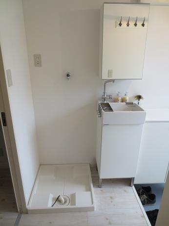 南山田テラスハウス洗濯機置き場