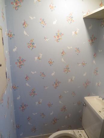 4Fトイレ、クロス