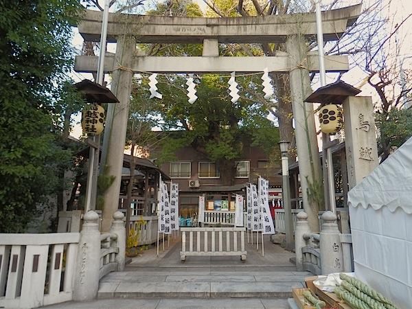 「鳥越神社」