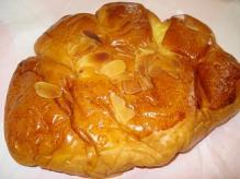 コーンブルメクリームパン