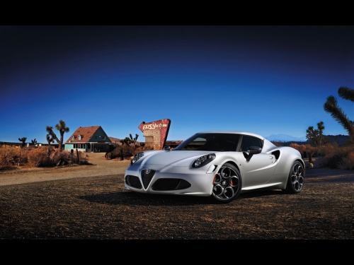 2013-Alfa-Romeo-4C-Launch-Edition-01
