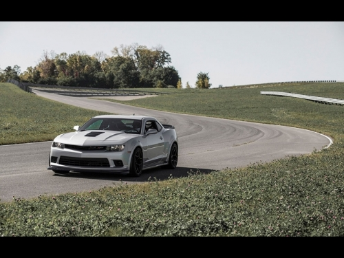 2014-Chevrolet-Camaro-Z28-at-Nurburgring-01