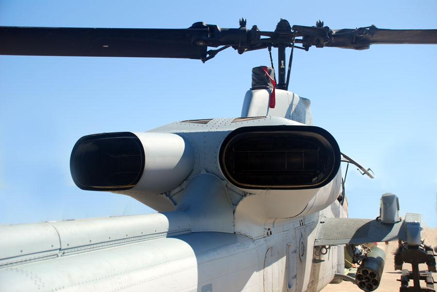 AH-1W-5.jpg