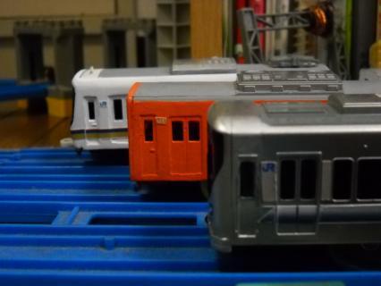 改造プラレール未更新の221系を作る後編